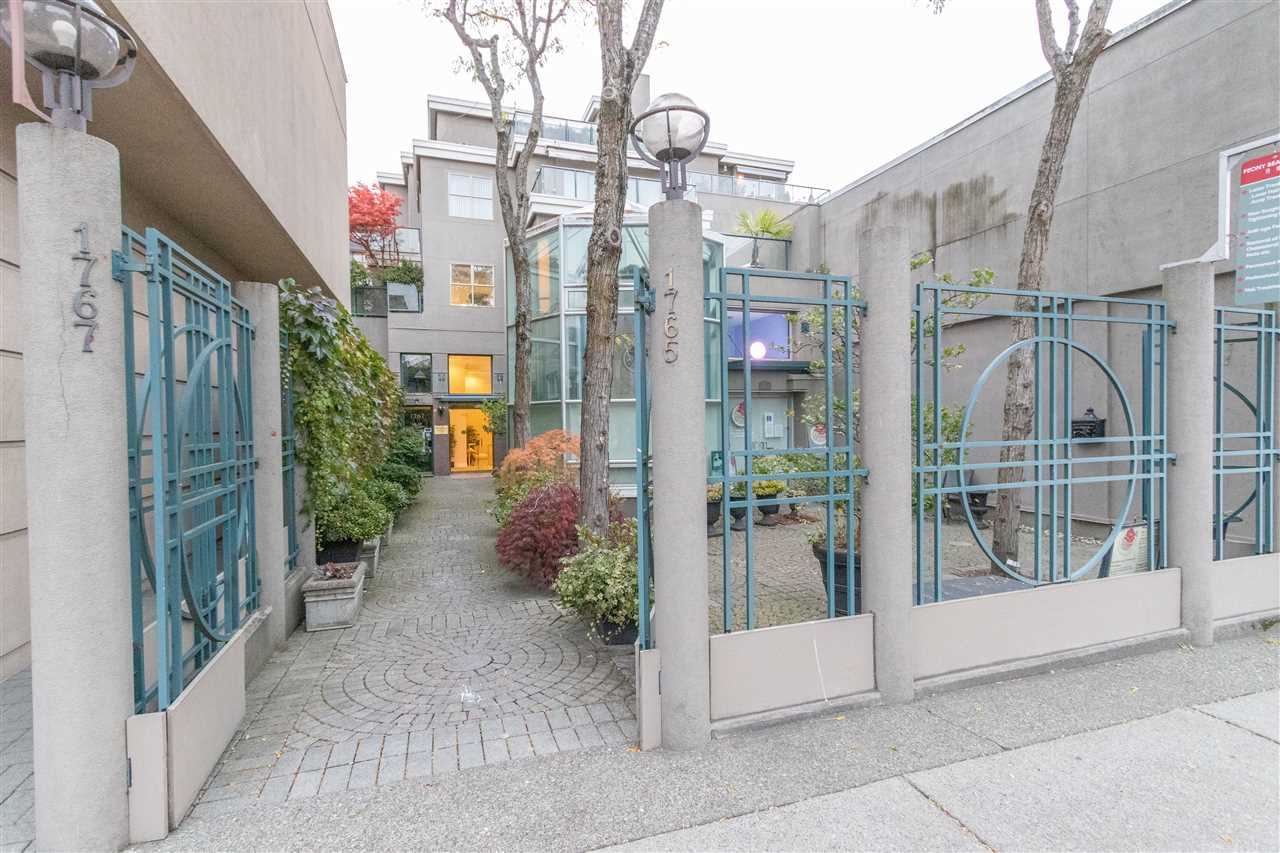 303 1765 MARINE DRIVE - Ambleside Apartment/Condo for sale, 2 Bedrooms (R2512618)