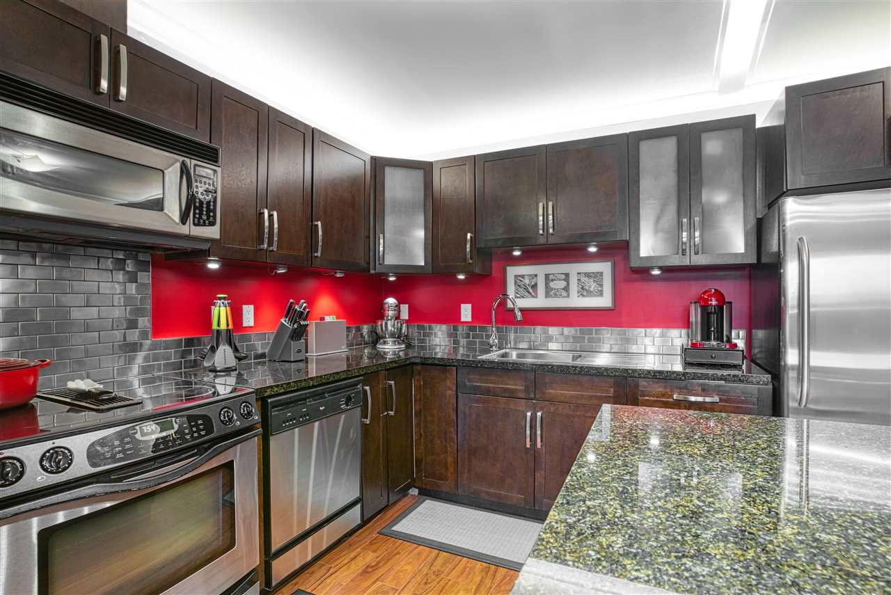 202 1169 EIGHTH STREET - Moody Park Apartment/Condo for sale, 2 Bedrooms (R2513085) - #1