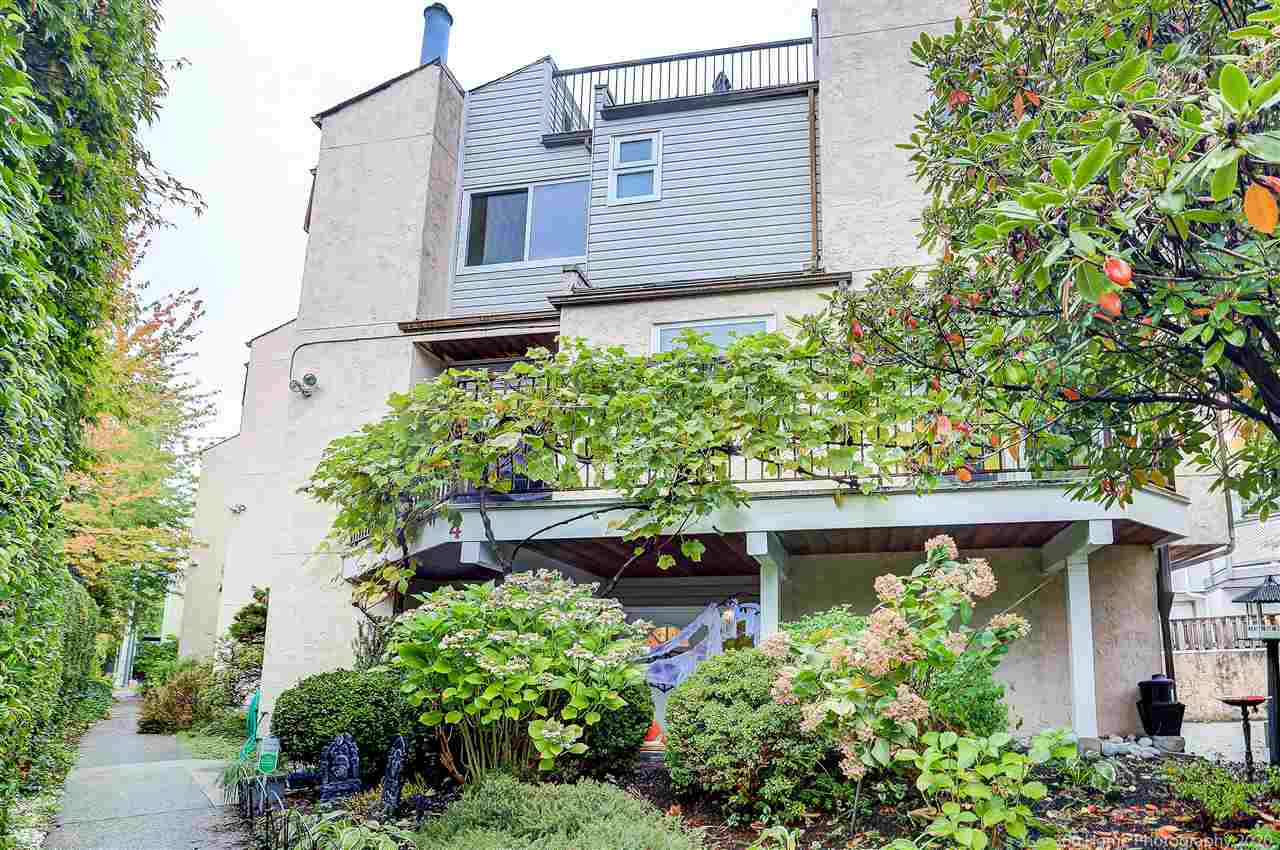4 230 W 16TH STREET - Central Lonsdale Townhouse for sale, 4 Bedrooms (R2513309) - #2