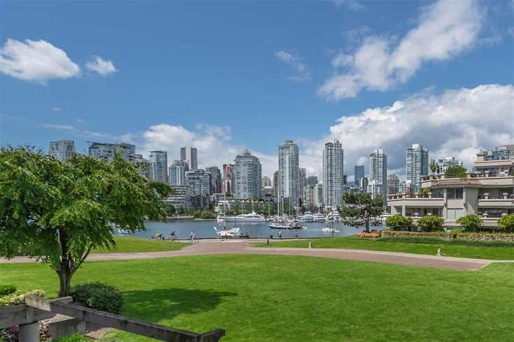 215 1869 SPYGLASS PLACE - False Creek Apartment/Condo for sale, 2 Bedrooms (R2513588)