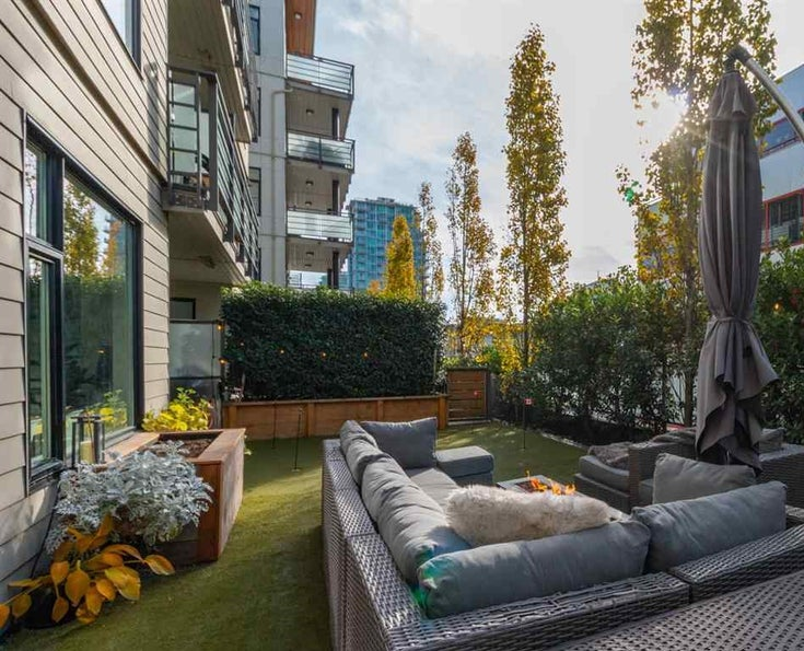 209 123 W 1ST STREET - Lower Lonsdale Apartment/Condo for sale, 2 Bedrooms (R2514014)