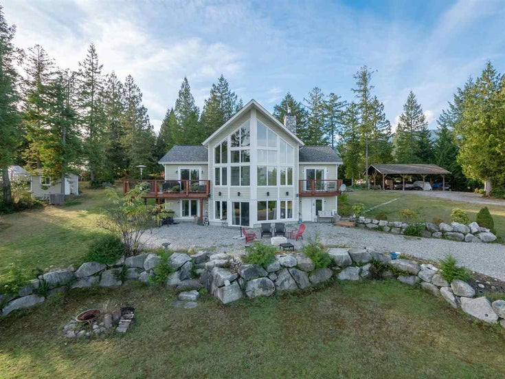 1460 NORTH ROAD - Gibsons & Area House with Acreage for sale, 3 Bedrooms (R2514022)