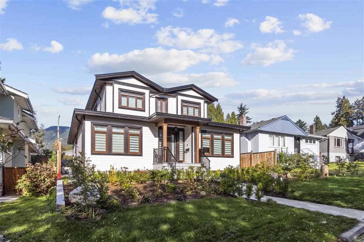 438 W 25TH STREET - Upper Lonsdale House/Single Family for sale, 8 Bedrooms (R2514552) - #1