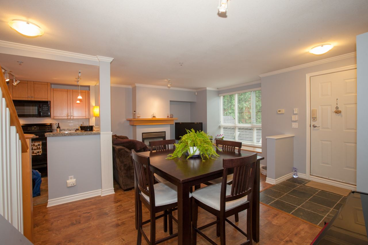 10 1071 LYNN VALLEY ROAD - Lynn Valley Townhouse for sale, 2 Bedrooms (R2514610) - #4