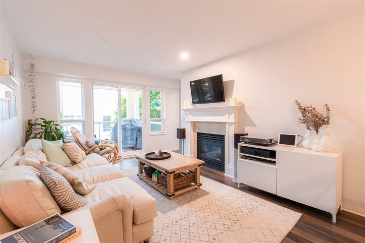 208 365 E 1ST STREET - Lower Lonsdale Apartment/Condo for sale, 2 Bedrooms (R2515210)