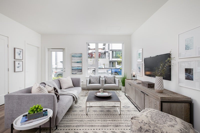 123 525 E 2ND STREET - Lower Lonsdale Townhouse for sale, 3 Bedrooms (R2517056)