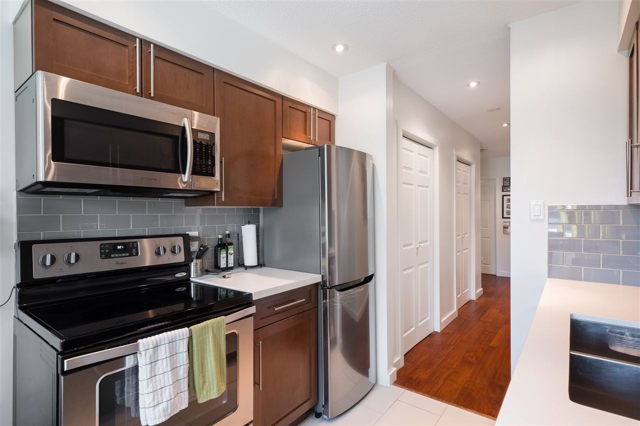 204 157 E 21ST STREET - Central Lonsdale Apartment/Condo for sale, 2 Bedrooms (R2517181) - #11