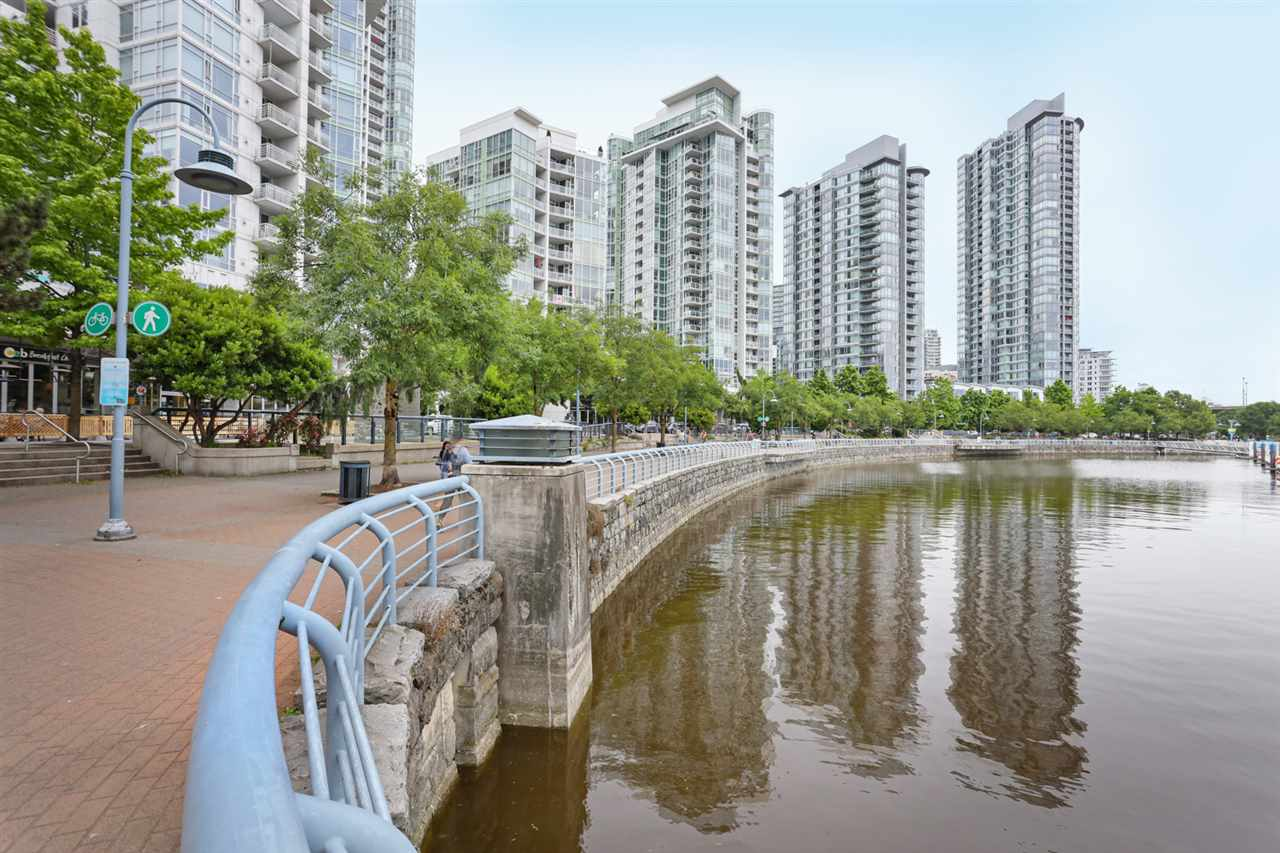 1003 1099 MARINASIDE CRESCENT - Yaletown Apartment/Condo for sale, 2 Bedrooms (R2517201) - #19