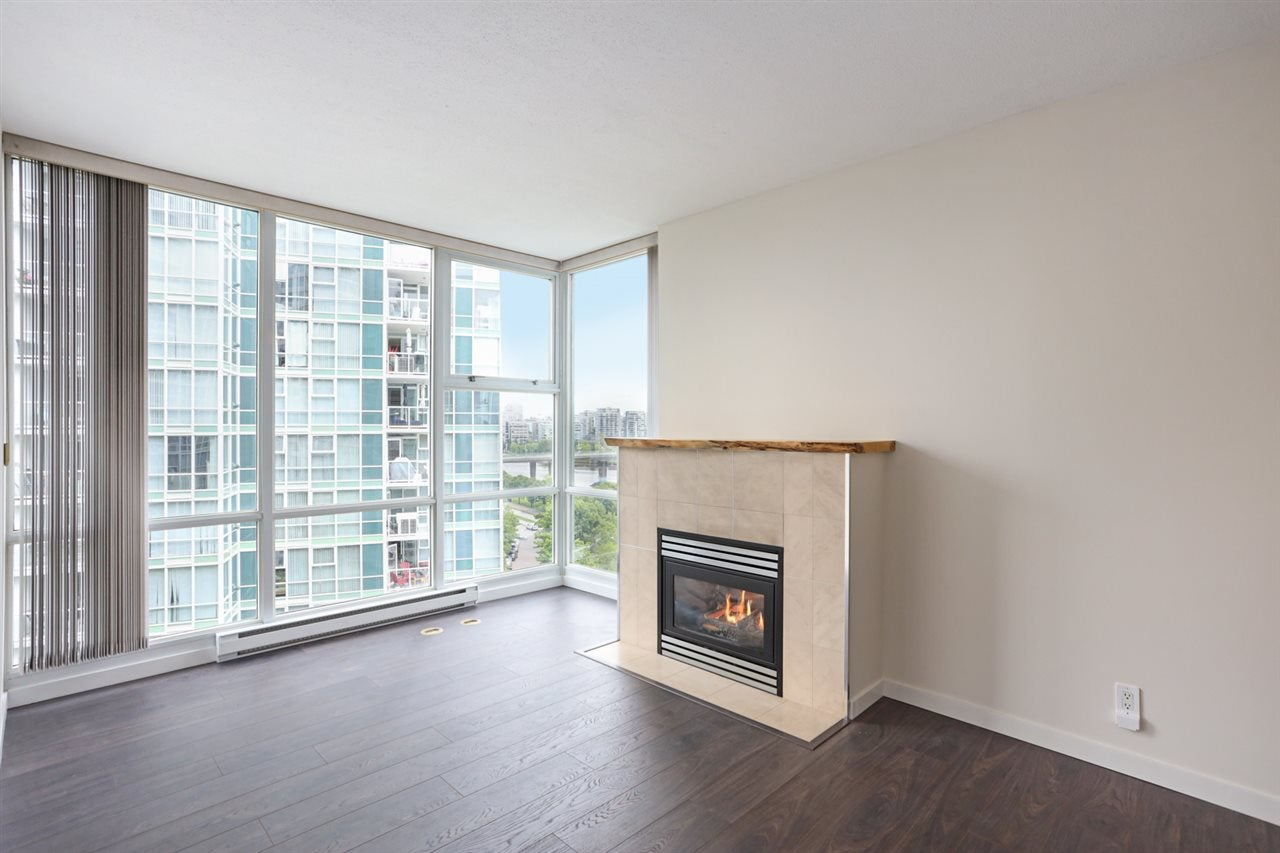1003 1099 MARINASIDE CRESCENT - Yaletown Apartment/Condo for sale, 2 Bedrooms (R2517201) - #3