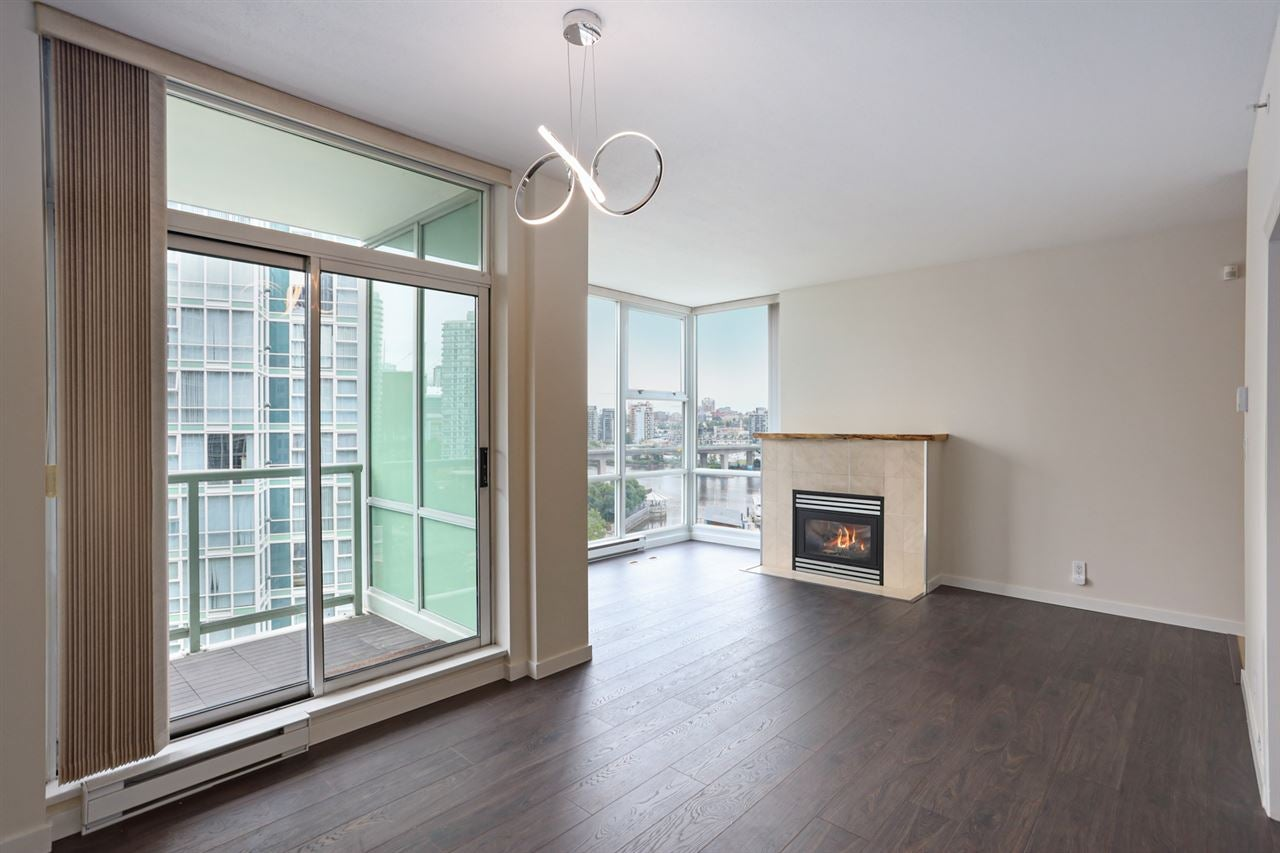 1003 1099 MARINASIDE CRESCENT - Yaletown Apartment/Condo for sale, 2 Bedrooms (R2517201) - #4
