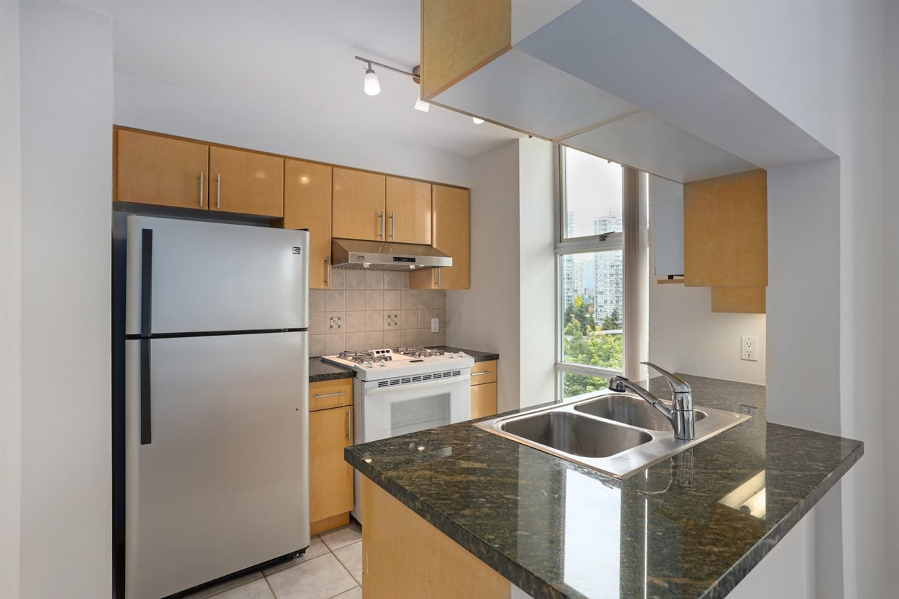 1003 1099 MARINASIDE CRESCENT - Yaletown Apartment/Condo for sale, 2 Bedrooms (R2517201) - #6