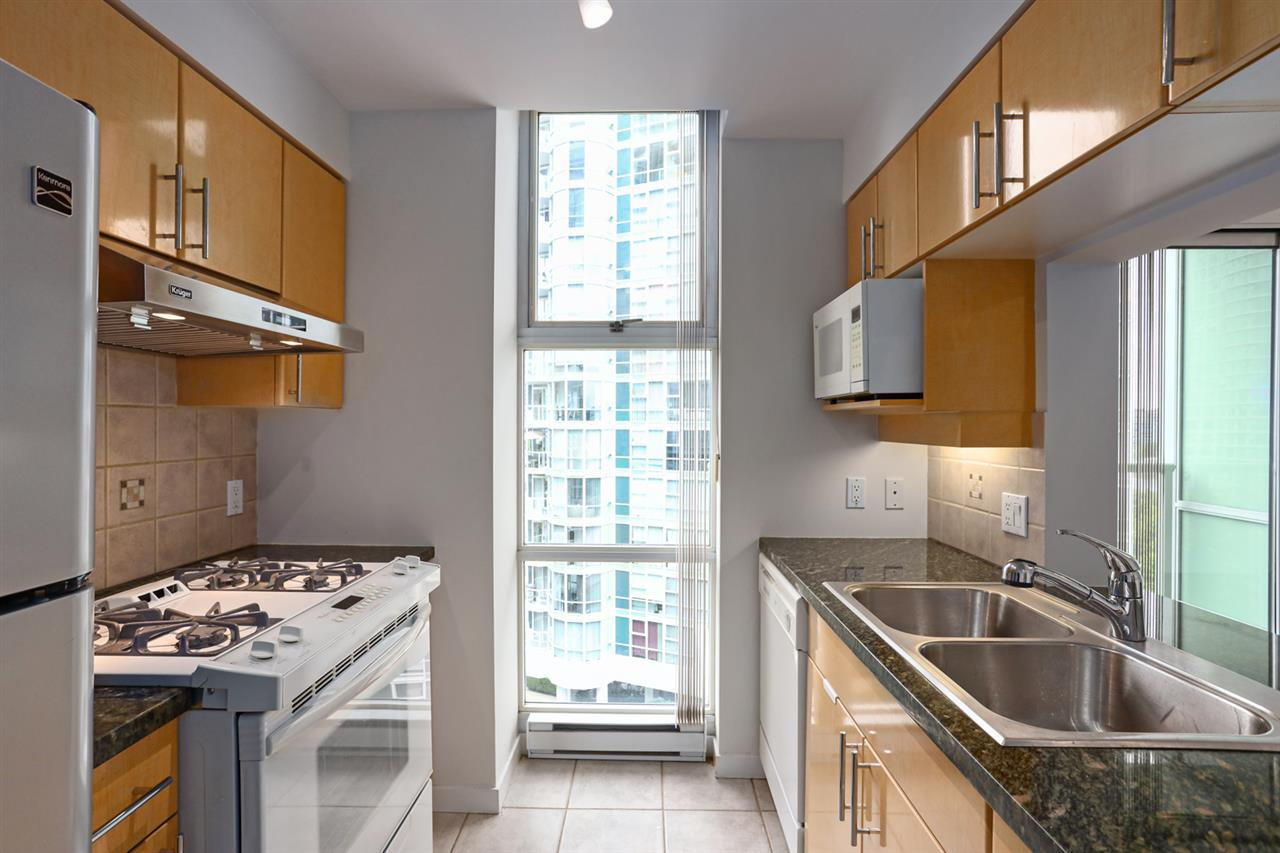 1003 1099 MARINASIDE CRESCENT - Yaletown Apartment/Condo for sale, 2 Bedrooms (R2517201) - #7