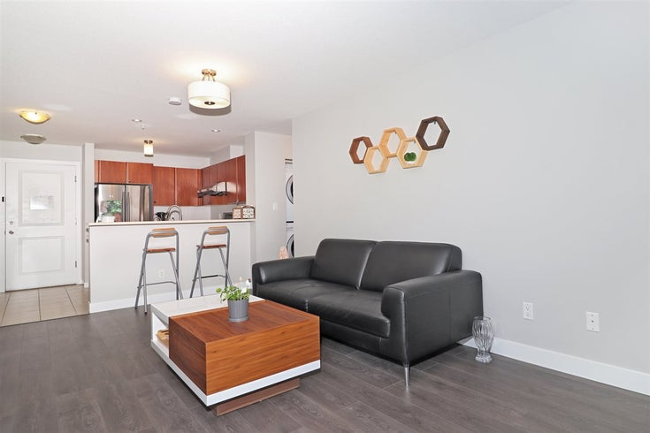 202 7089 MONT ROYAL SQUARE - Champlain Heights Apartment/Condo for sale, 2 Bedrooms (R2517767)