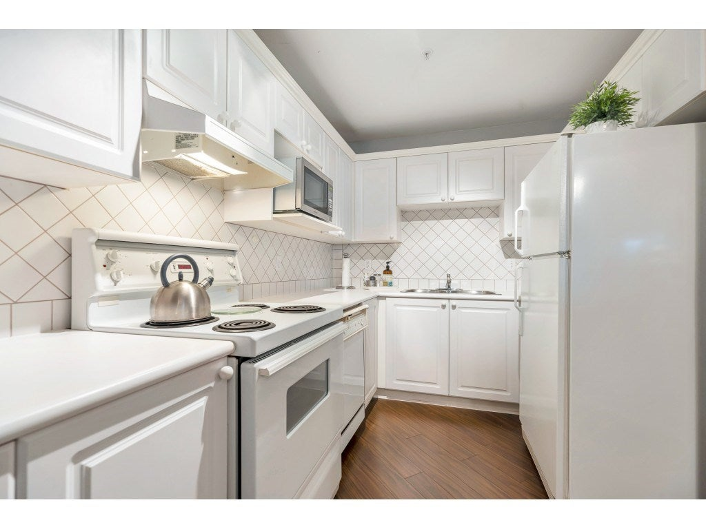 409 8142 120A STREET - Queen Mary Park Surrey Apartment/Condo for sale, 2 Bedrooms (R2517893) - #8
