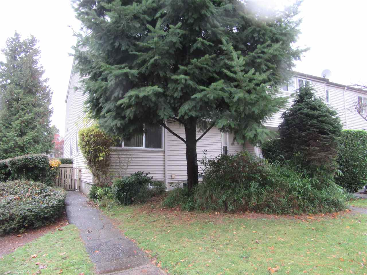 32 3417 E 49TH AVENUE - Killarney VE Townhouse for sale, 3 Bedrooms (R2518414) - #1