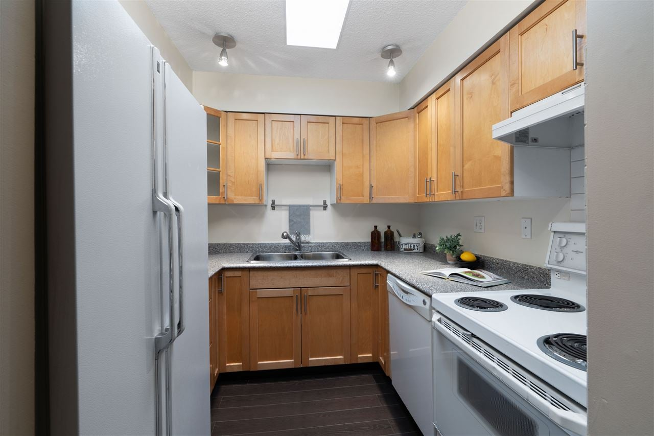 305 141 E 18TH STREET - Central Lonsdale Apartment/Condo for sale, 1 Bedroom (R2518433) - #10