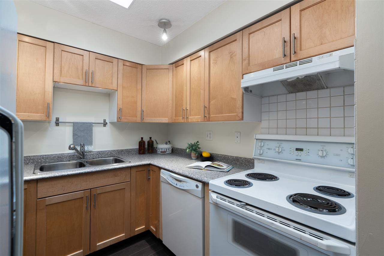 305 141 E 18TH STREET - Central Lonsdale Apartment/Condo for sale, 1 Bedroom (R2518433) - #11
