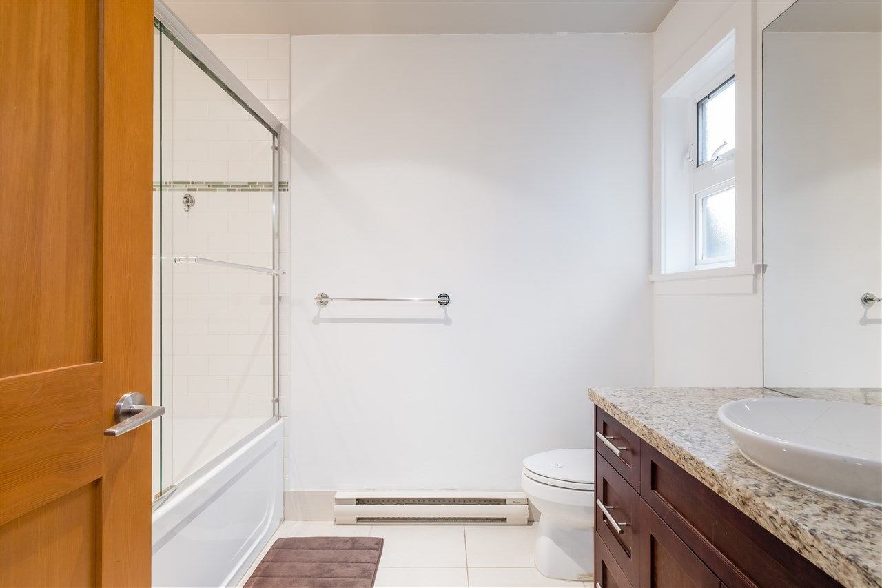 352 E 3RD STREET - Lower Lonsdale Townhouse for sale, 2 Bedrooms (R2518565) - #17