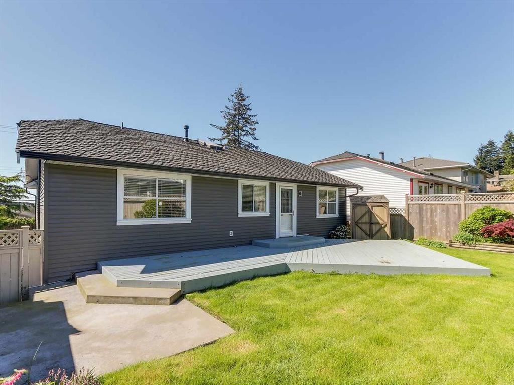15555 BUENA VISTA AVENUE - White Rock House/Single Family for sale, 4 Bedrooms (R2518732) - #23