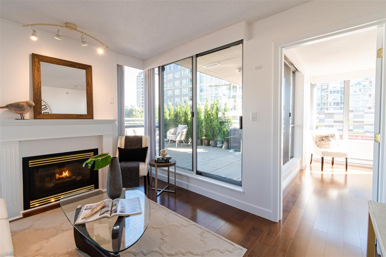 304 108 E 14TH STREET - Central Lonsdale Apartment/Condo for sale, 2 Bedrooms (R2518855) - #11