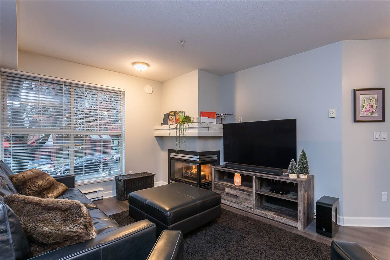 C10 332 LONSDALE AVENUE - Lower Lonsdale Apartment/Condo for sale, 2 Bedrooms (R2519109) - #1
