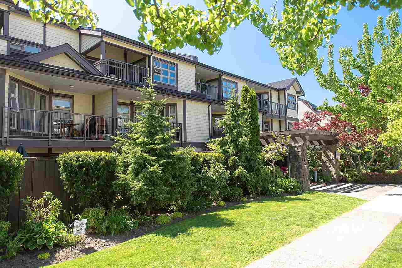 207 235 W 4 STREET - Lower Lonsdale Apartment/Condo for sale, 1 Bedroom (R2519180) - #1