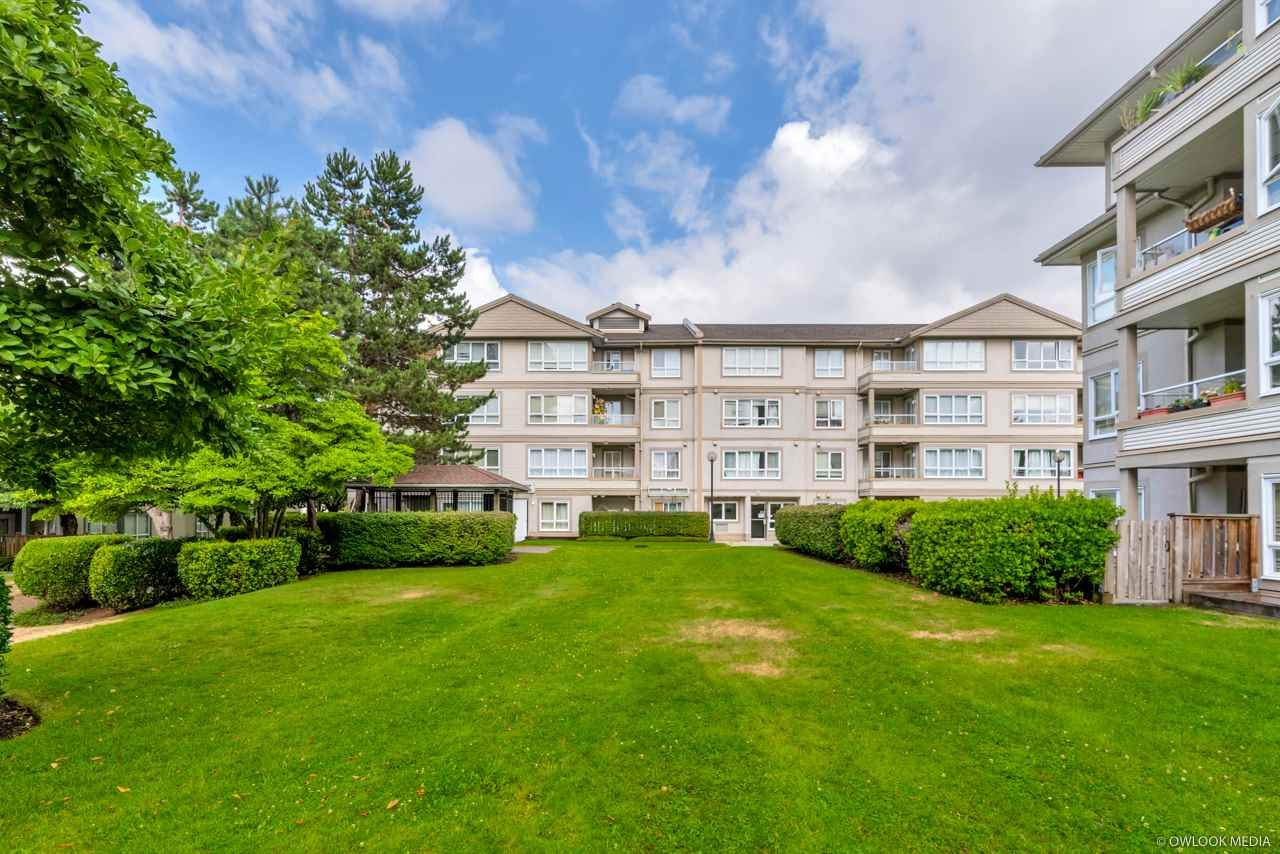 411 3480 YARDLEY AVENUE - Collingwood VE Apartment/Condo for sale, 1 Bedroom (R2519391)