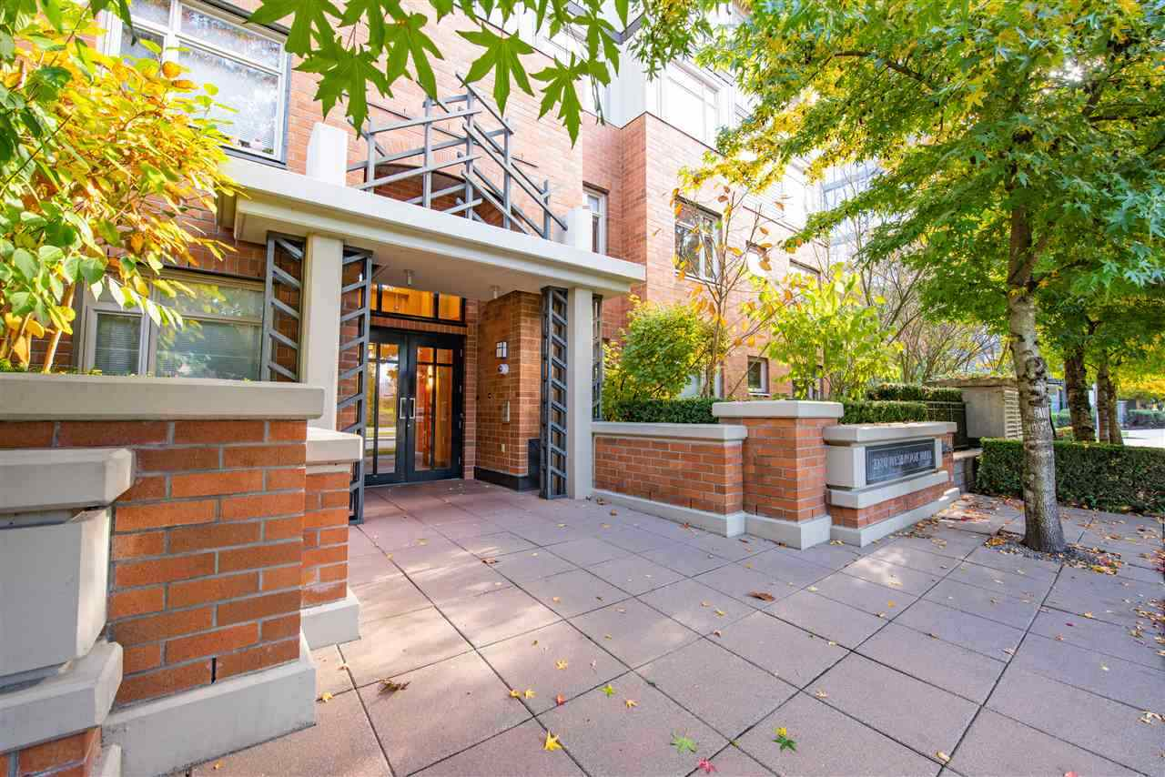 315 2280 WESBROOK MALL - University VW Apartment/Condo for sale, 2 Bedrooms (R2519623)