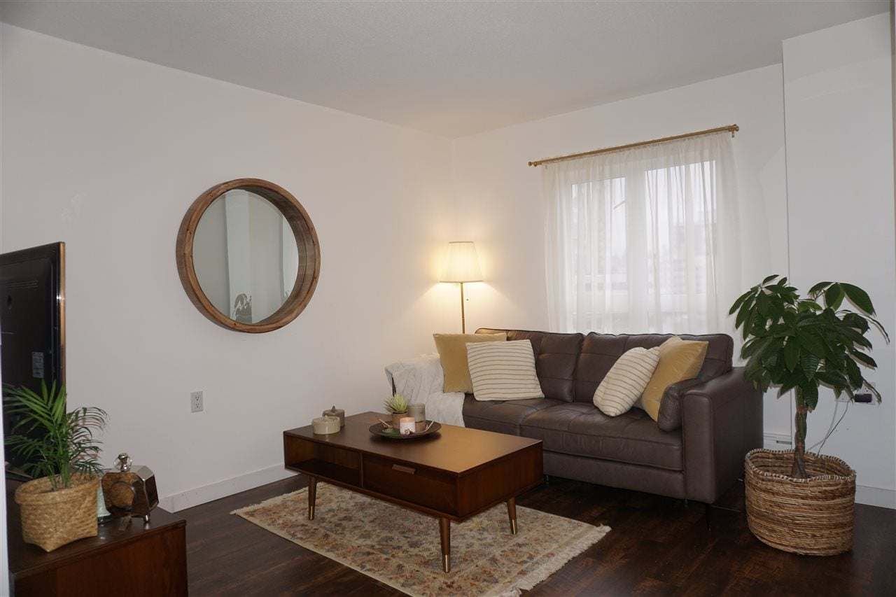 704 121 W 15TH STREET - Central Lonsdale Apartment/Condo for sale, 1 Bedroom (R2519981) - #1