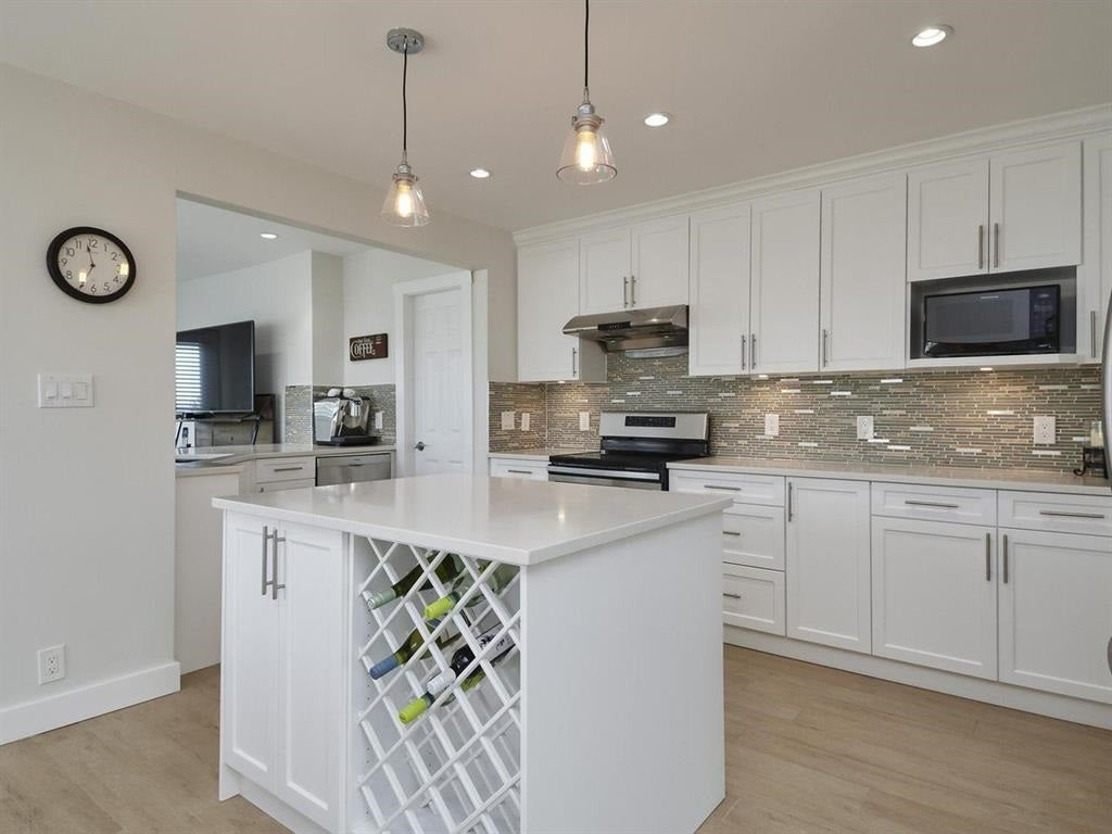 355 HYTHE AVENUE - Capitol Hill BN House/Single Family for sale, 6 Bedrooms (R2520291)