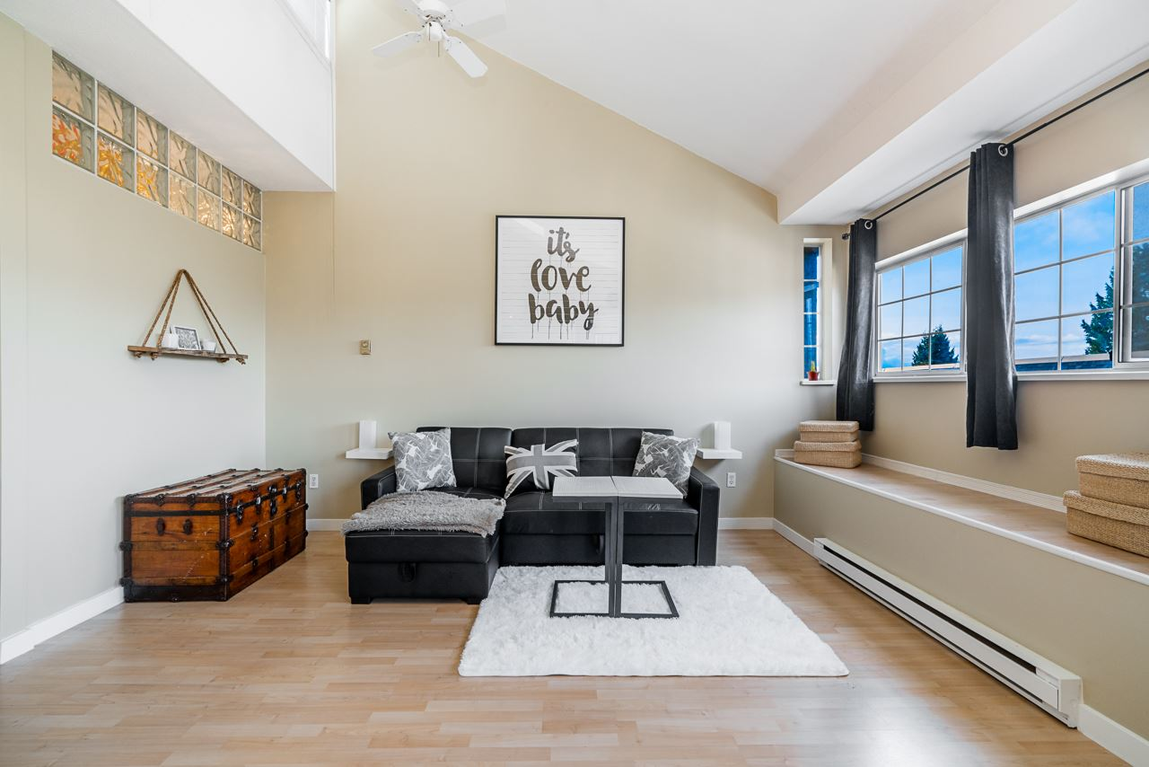 304 125 W 18TH STREET - Central Lonsdale Apartment/Condo for sale, 1 Bedroom (R2520475)