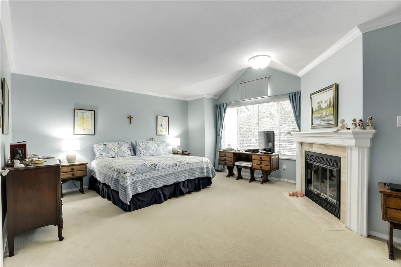 1 261 W 16TH STREET - Central Lonsdale Townhouse for sale, 3 Bedrooms (R2520806) - #13