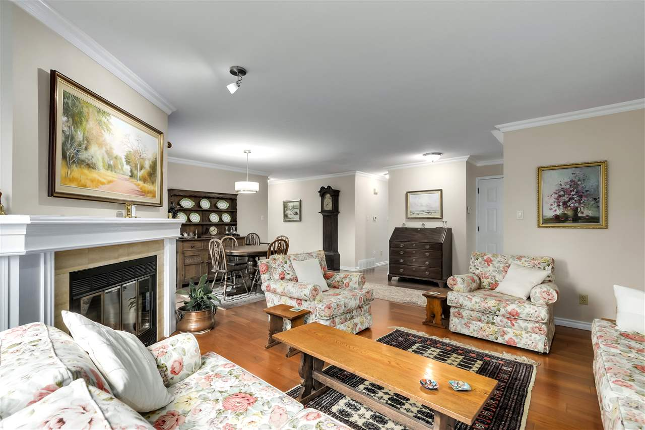 1 261 W 16TH STREET - Central Lonsdale Townhouse for sale, 3 Bedrooms (R2520806) - #2