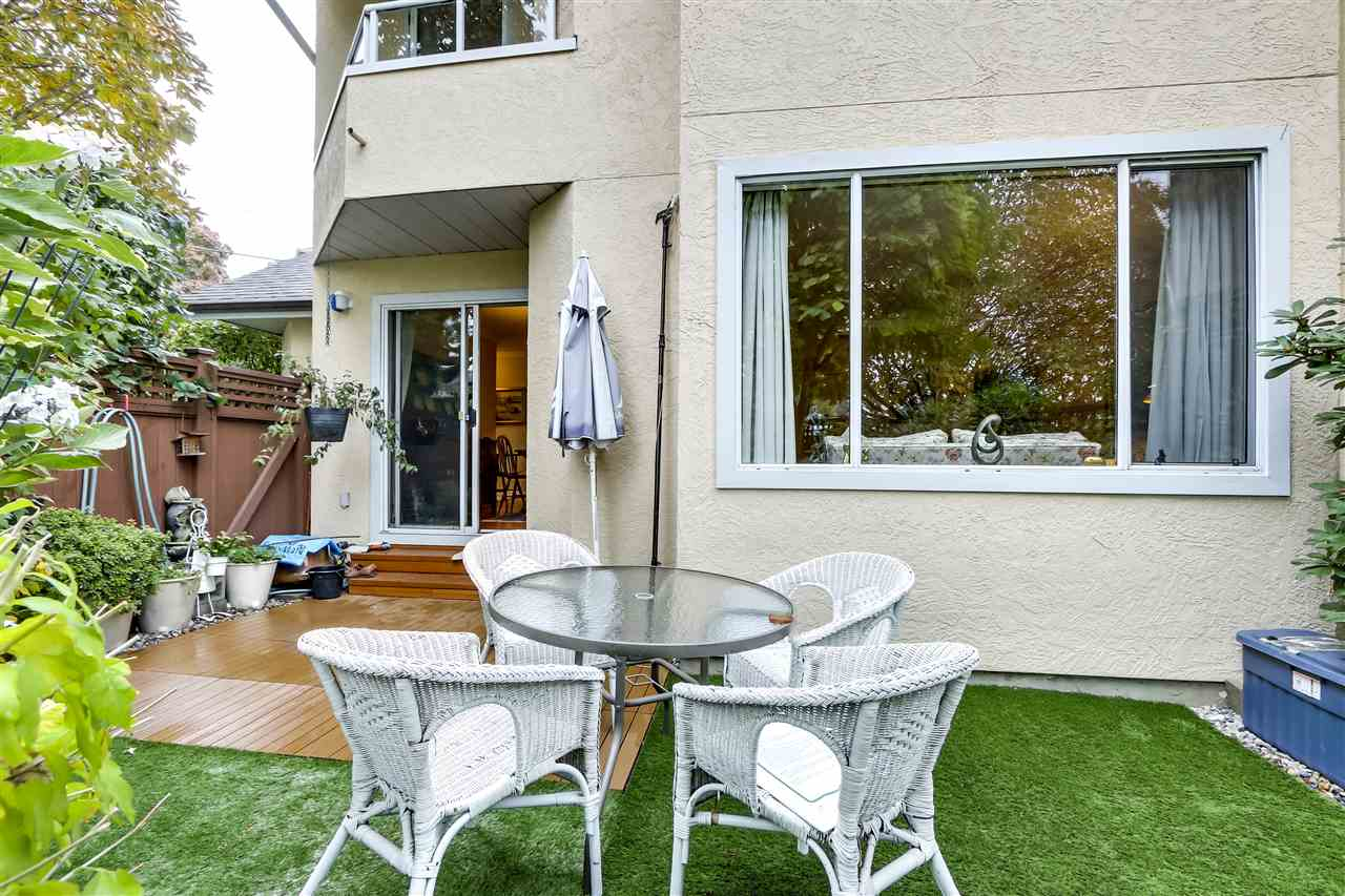 1 261 W 16TH STREET - Central Lonsdale Townhouse for sale, 3 Bedrooms (R2520806) - #20