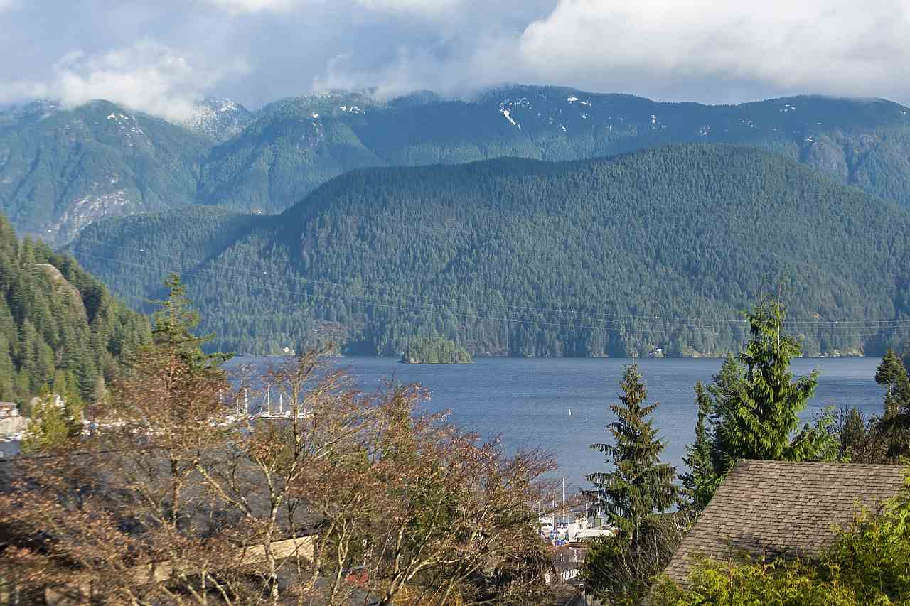 2056 CLIFFWOOD ROAD - Deep Cove House/Single Family for sale, 4 Bedrooms (R2521217)
