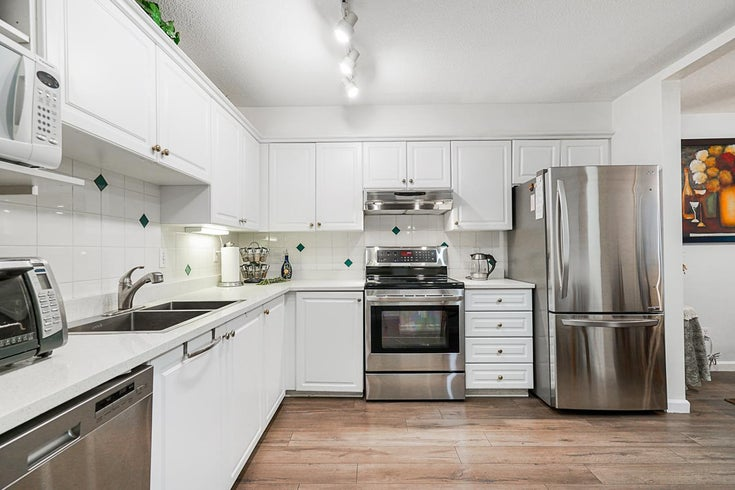 214 8139 121A STREET - Queen Mary Park Surrey Apartment/Condo for sale, 2 Bedrooms (R2521291)