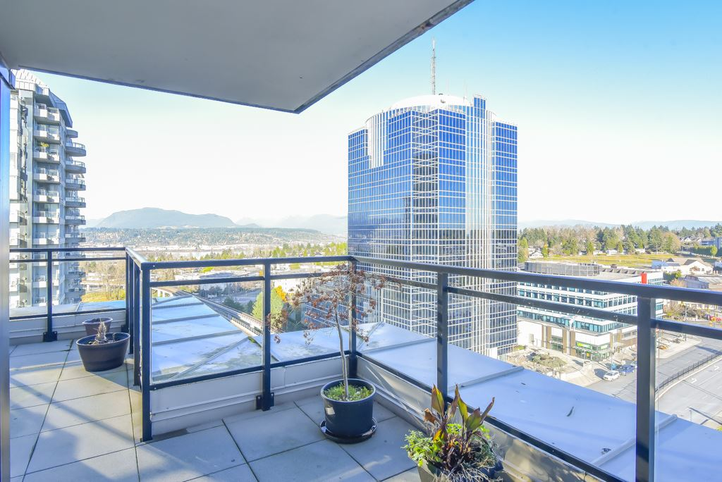 1410 10777 UNIVERSITY DRIVE - Whalley Apartment/Condo for sale, 2 Bedrooms (R2521642) - #1