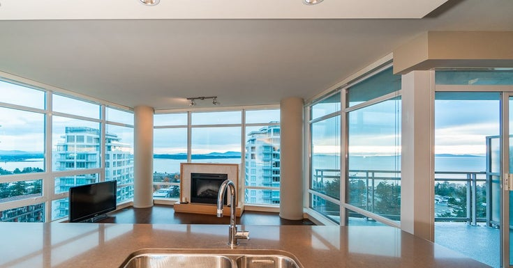 1401 15152 RUSSELL AVENUE - White Rock Apartment/Condo for sale, 2 Bedrooms (R2522423)