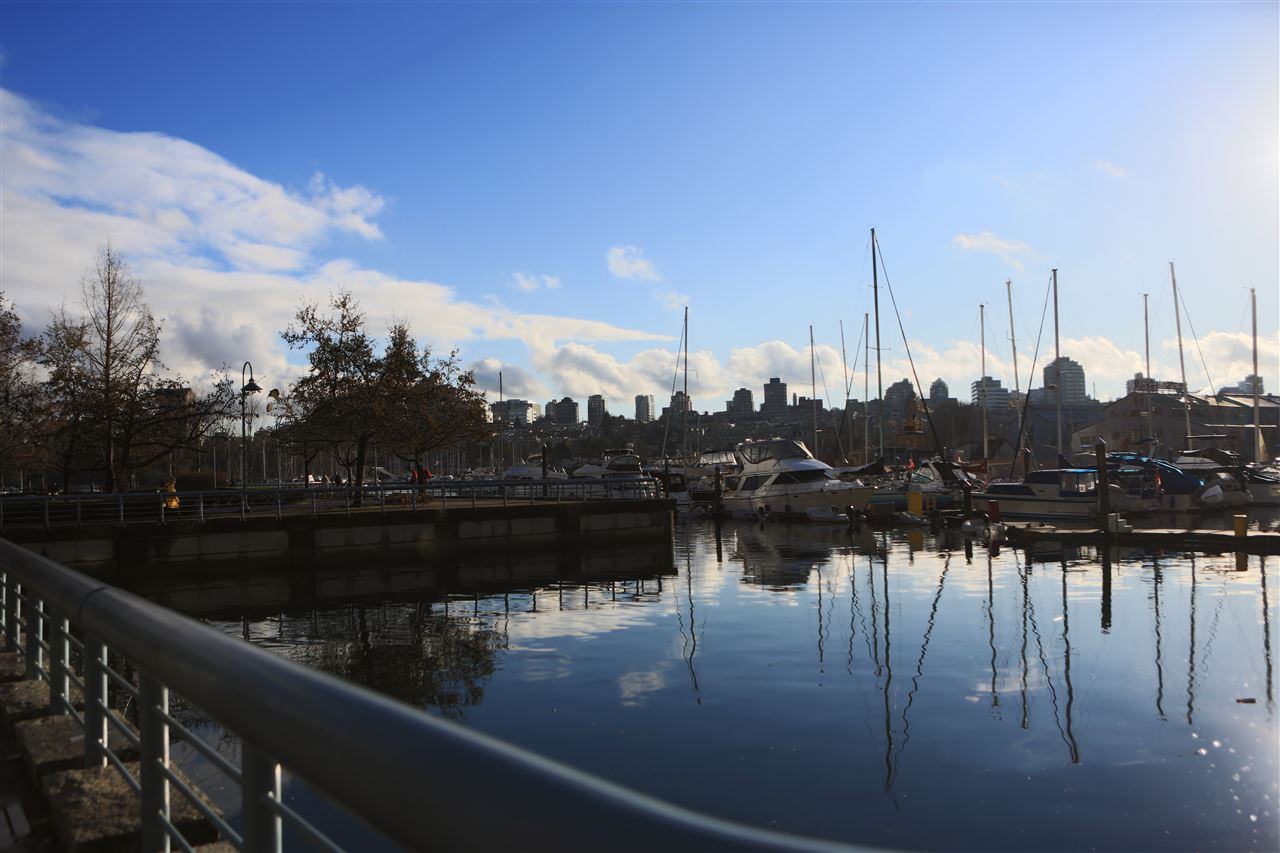 607 638 BEACH CRESCENT - Yaletown Apartment/Condo for sale, 2 Bedrooms (R2522568) - #1
