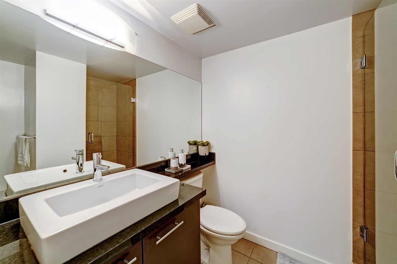 111 1288 CHESTERFIELD AVENUE - Central Lonsdale Townhouse for sale, 2 Bedrooms (R2523339) - #21