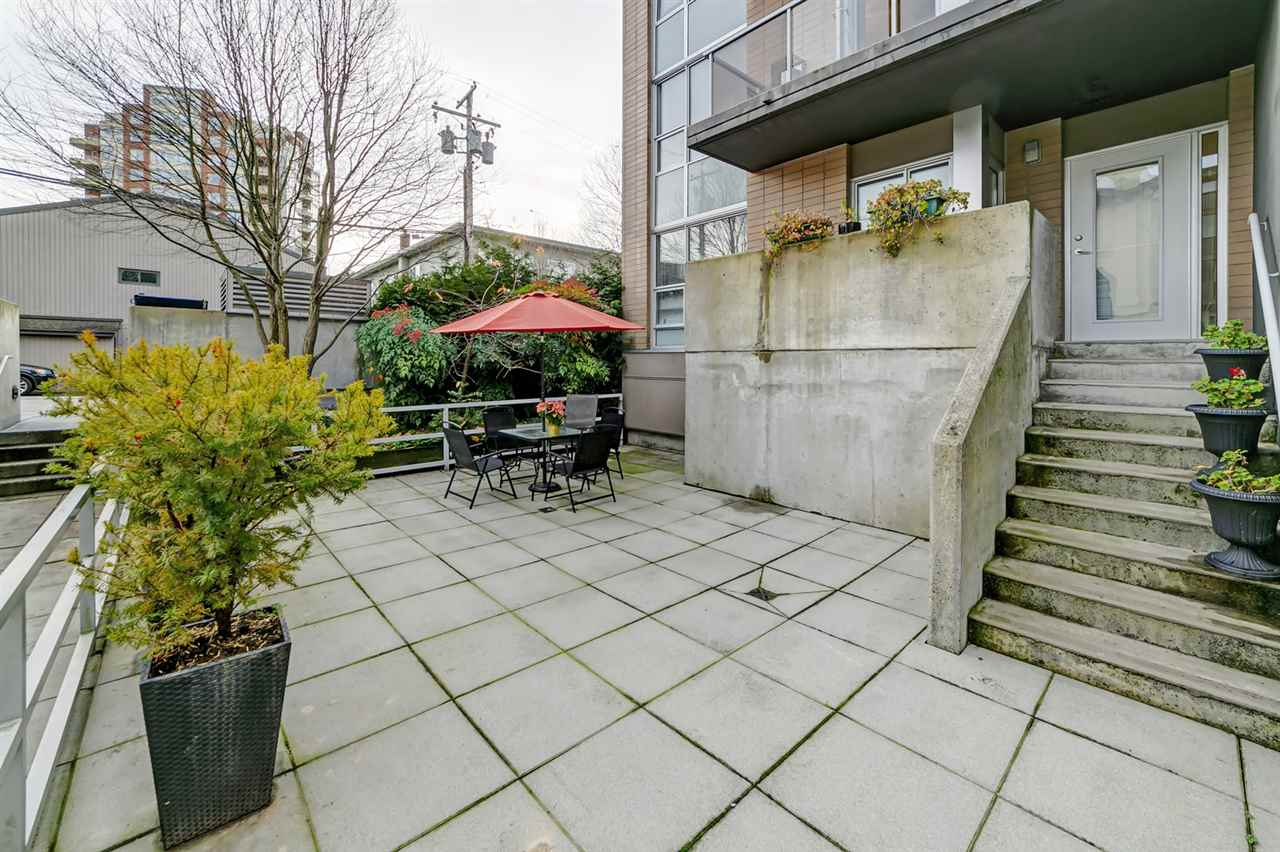 111 1288 CHESTERFIELD AVENUE - Central Lonsdale Townhouse for sale, 2 Bedrooms (R2523339) - #8