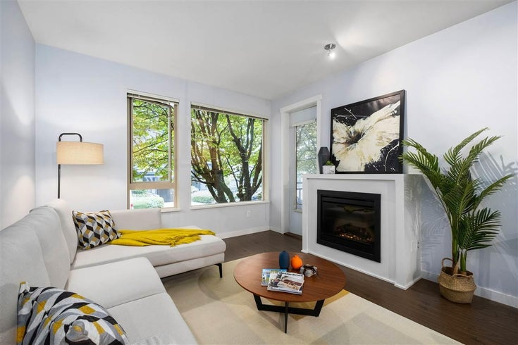215 119 W 22ND STREET - Central Lonsdale Apartment/Condo for sale, 2 Bedrooms (R2523494)