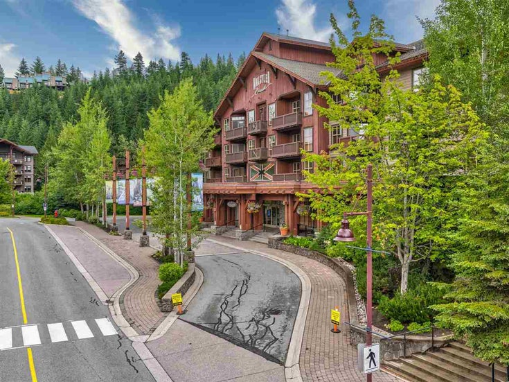 329B 2036 LONDON LANE - Whistler Creek Apartment/Condo for sale, 2 Bedrooms (R2523558)