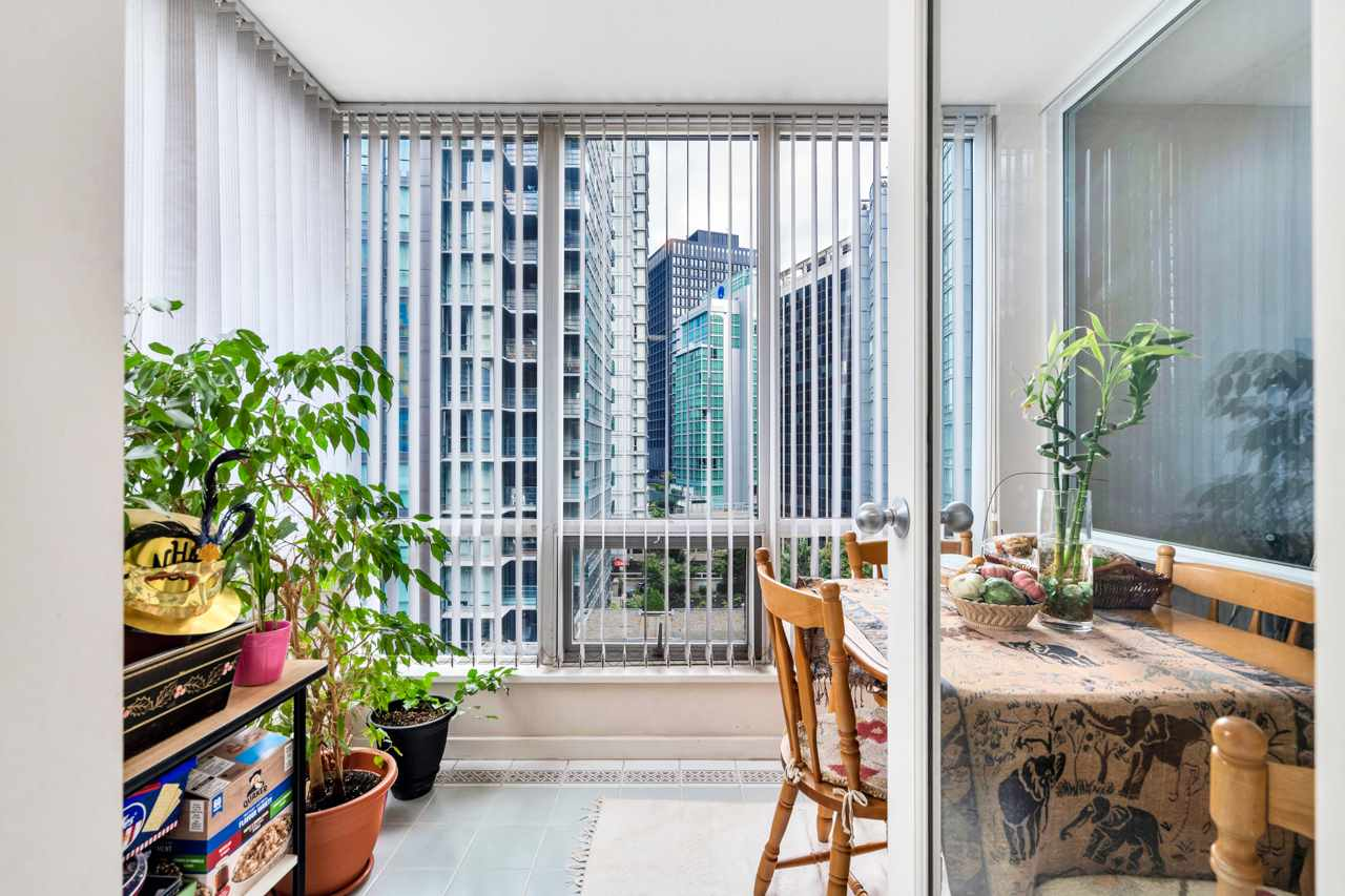 803 1166 MELVILLE STREET - Coal Harbour Apartment/Condo for sale, 2 Bedrooms (R2523902) - #1