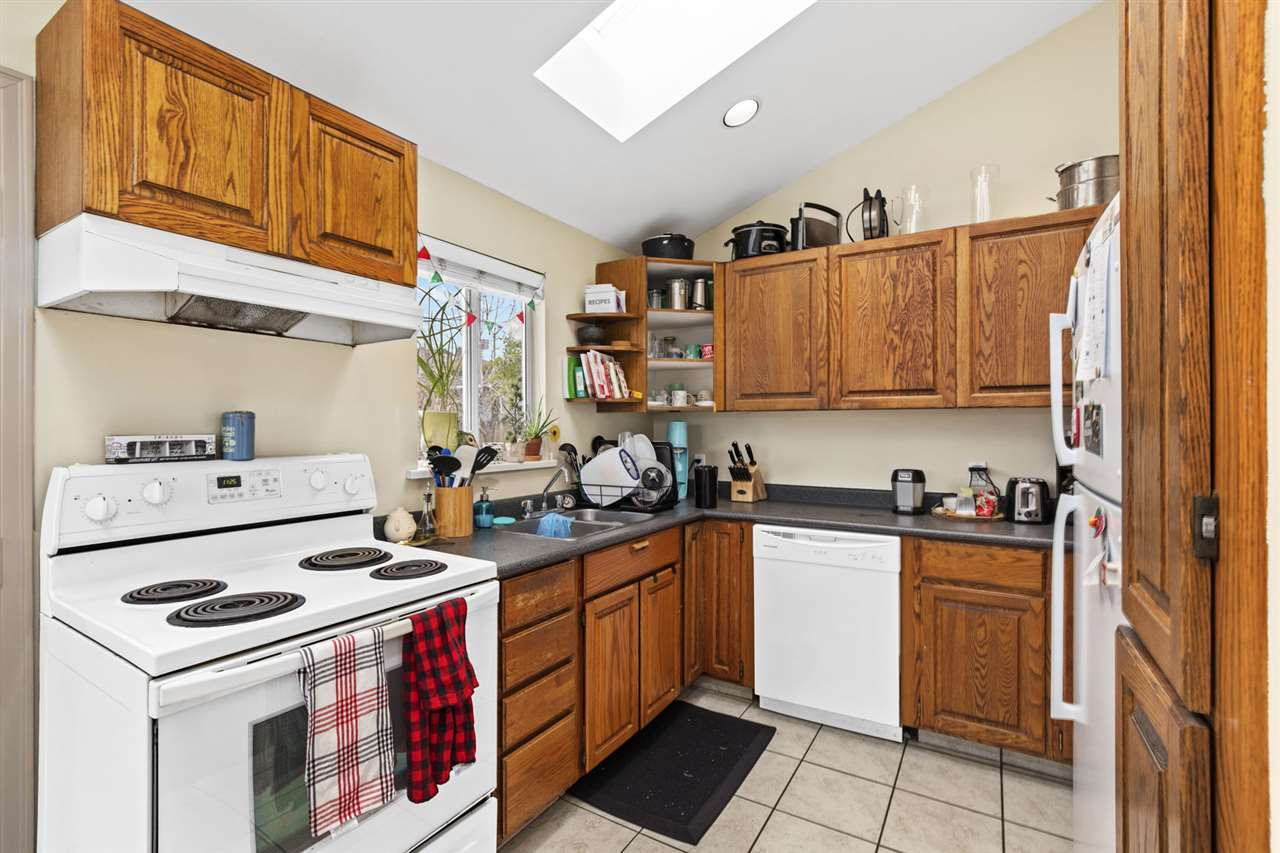 704 E 4TH STREET - Queensbury House/Single Family for sale, 4 Bedrooms (R2524286) - #8