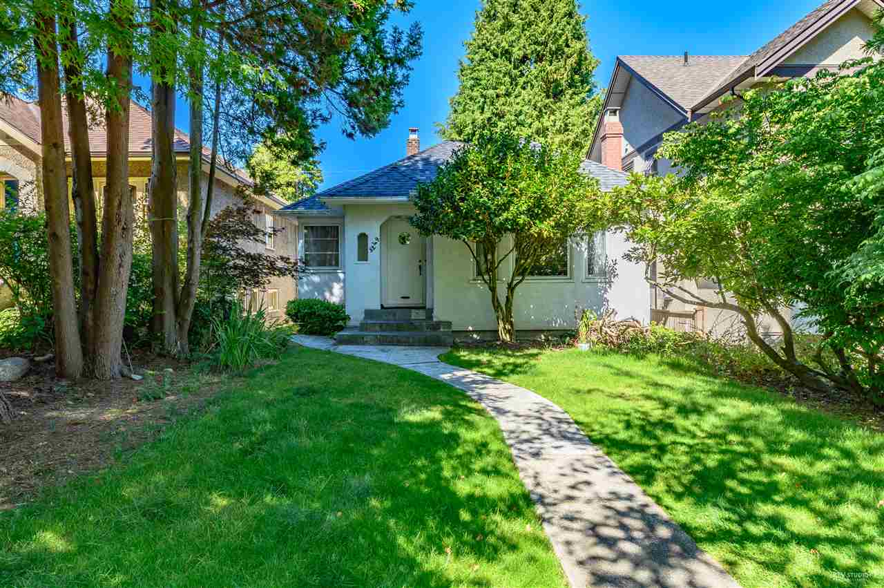 3249 W 33RD AVENUE - MacKenzie Heights House/Single Family for sale, 6 Bedrooms (R2526329)