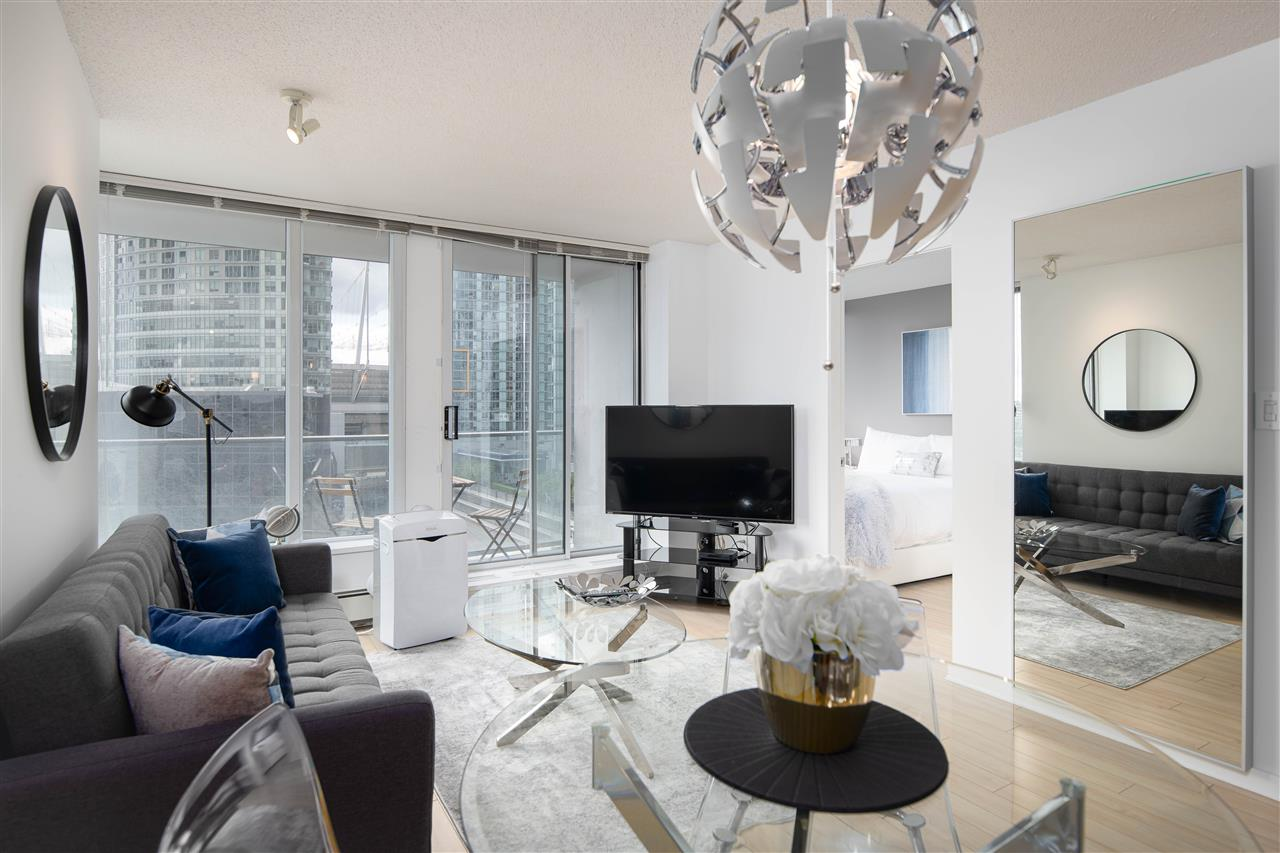 1206 689 ABBOTT STREET - Downtown VW Apartment/Condo for sale, 1 Bedroom (R2526581) - #1