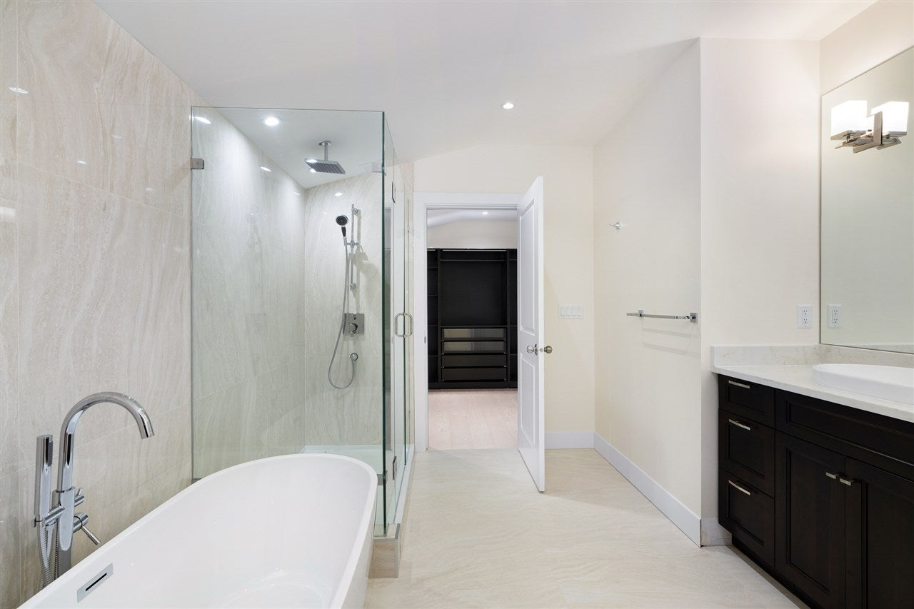 527 W KINGS ROAD - Upper Lonsdale House/Single Family for sale, 6 Bedrooms (R2526820) - #27