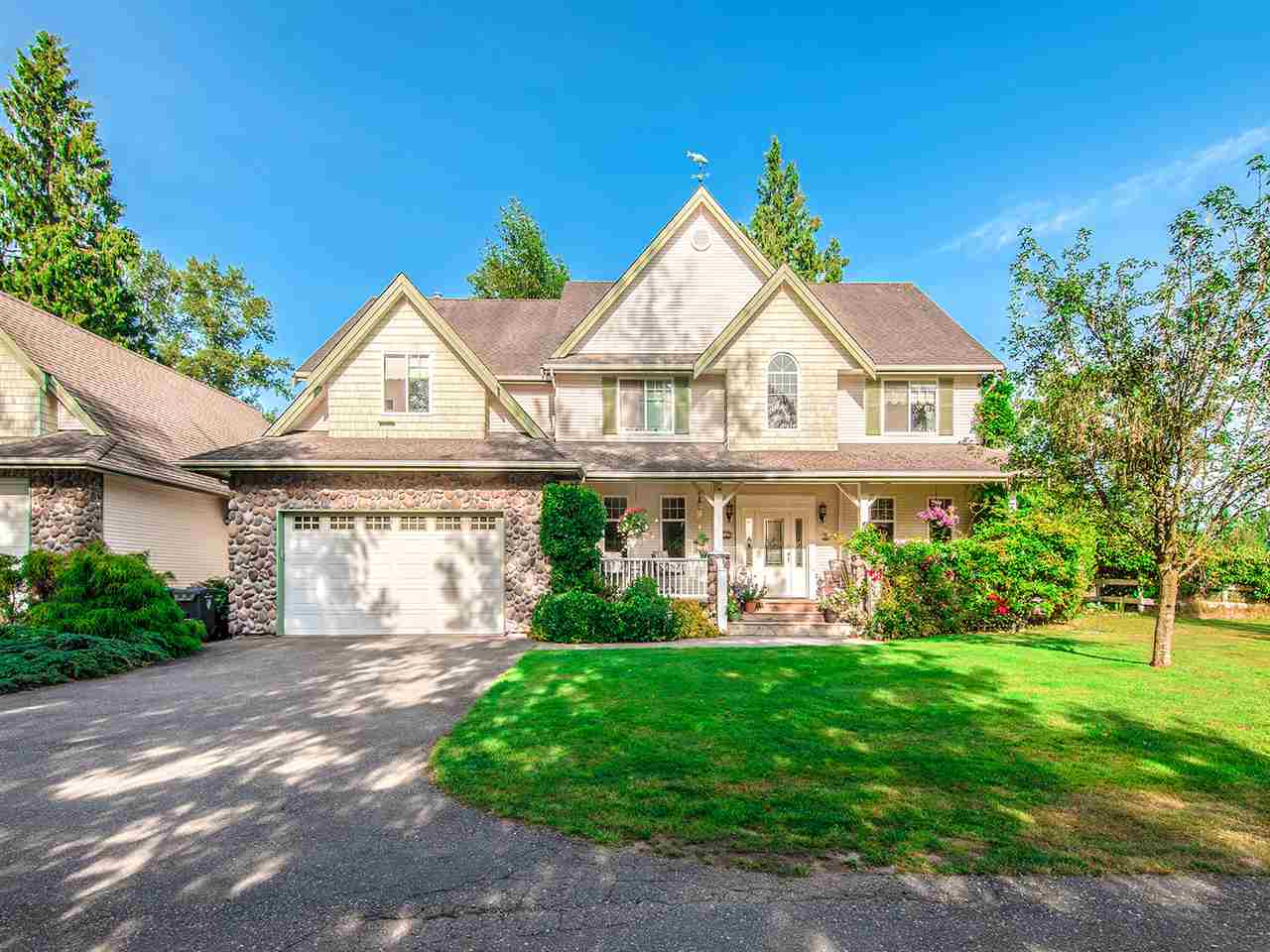 2552 207 STREET - Brookswood Langley House with Acreage for sale, 6 Bedrooms (R2527015) - #1