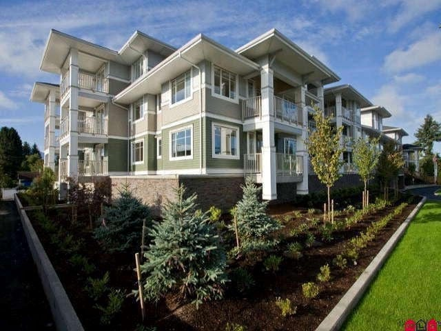215 46262 FIRST AVENUE - Chilliwack E Young-Yale Apartment/Condo for sale, 1 Bedroom (R2527181)